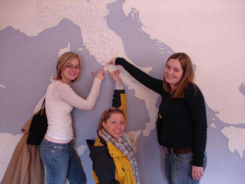 Alexandra, Christine, Angie
