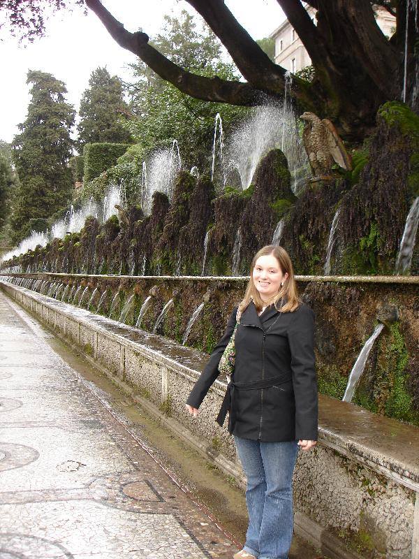 Angela & 100 Fountains