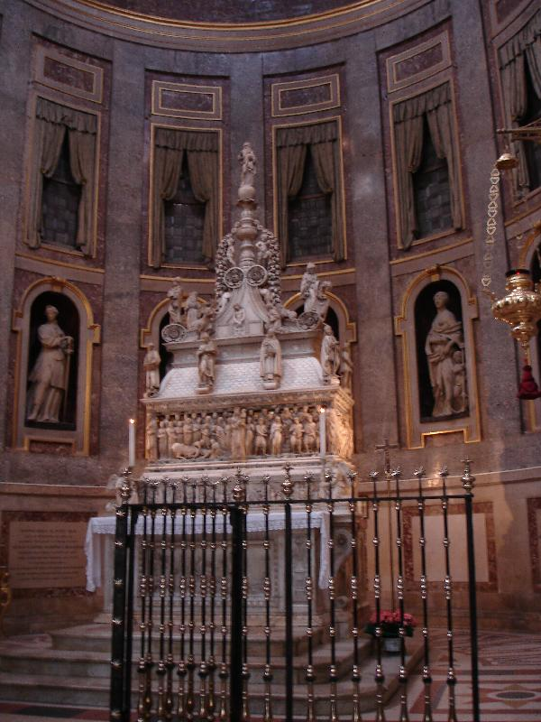 Tomb of San Domenico